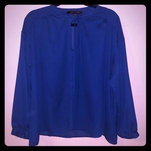 Blue flowy blouse ✨ EUC